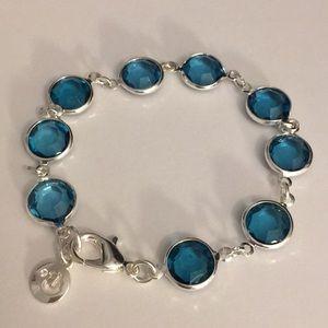 """Crystals vintage bracelet fits up to 6"""" wrist nice"""